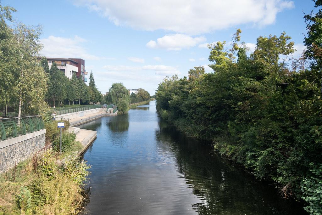 A WALK ALONG THE ROYAL CANAL [THE CRESCENT PARK AREA NEAR ASHTOWN]-144000