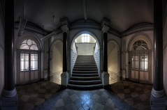 Staatsbank (digiartostelbien2) Tags: lostplaces lost urbanexploration