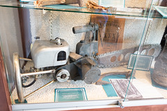 Antique chainsaw (quinet) Tags: 2017 antik canada mapleridge ancien antique museum musée vancouver britishcolumbia 124