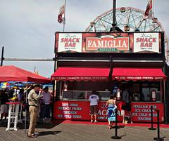 Famiglia on the Coney Island boardwalk (Robert S. Photography) Tags: pizzeria boardwalk famiglia summer scene coneyisland newyork brooklyn snack bar denos sony dscwx150 iso100 august 2018