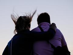 Gegenwind (Werner Schnell Images (2.stream)) Tags: ws gegenwind wind haare kreuzfahrt abend reling paar pair