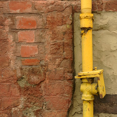 Antico muro rattoppato e tubo giallo con giunzione. Ancient patched wall and yellow pipe with junction.( Frammenti urbani/urban fragments) (sandroraffini) Tags: classic classico brick red rosso mattone brownish marroncino beige superfice texture surface rattoppato patched wall muro lime calce concrete cemento handmade artigianali mattoni bricks antico ancient piccola casa small house yellow varnish vernice metallic metallico tubo giunzione pipe junction frammenti urbani urban fragments esplorazione exploration casuale random details dettagli sony rx100 sandroraffini viaemilialevante bologna umido wet vagabondando wandering ready made minimalismo minimalism architettura architecture