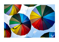 Regenbogen (Fujigraf) Tags: schirm regenbogen farbe color rainbow bunt regen nas schön himmel wolken natur fujixf23mm1 xt20