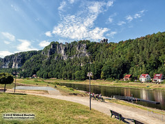 A Moment Of Peace (Roelofs fotografie) Tags: wilfred roelofs fotgrafie nikon d5600 2018 germany schweiz sächsische elbe picture foto forest tree green color blue white woods water wave river mirror clouds cloud kuuroord rathen heritage summer mountain mountainside air stone rock landscape panorama park nationaal wood walk walking peace cozy colorful holiday building outdoor grass sky road