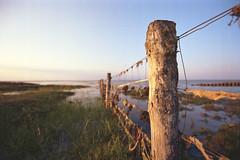 barrier (flyerkat_L.E.) Tags: barrier lahnung northsea sea film analog kodakgold200 nikon f80 35mm