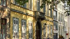"""Old places have soul."" (genevieve van doren) Tags: bruges brugge houses maisons shadows ombres trees arbres potterierei"