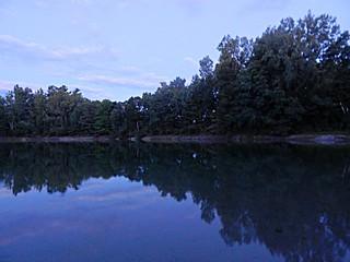 Rockliffe Pond Blue hour photo 6