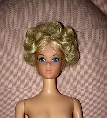 Barbies new hairdo ☀️ (SpiceboySweden) Tags: vintage mod hairdo curl quick doll mattel barbie