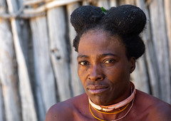 Nguendelengo tribe woman with the traditional bun hairstyle, Namibe Province, Capangombe, Angola (Eric Lafforgue) Tags: adult africa africanculture africantribe angola angola180391 angolan black bun capangombe colourimage cultures day developingcountries ethnicgroup hair hairstyle headshot horizontal humanbeing indigenousculture lifestyles lookingatcamera nguendelengo nonurbanscene oneperson onewomanonly outdoors photography portrait realpeople ruralscene tribal tribe namibeprovince ao