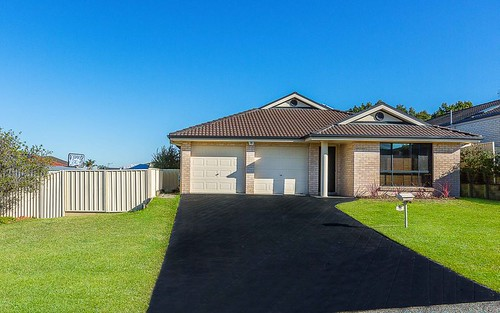 12 Menindee Av, Blue Haven NSW 2262