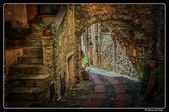 Dolceacqua_Liguria_Italia (ferdahejl) Tags: dolceacqua liguria italia dslr canondslr canoneos800d