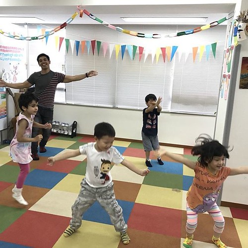 What's your favorite way to exercise? We prefer the funnest ways. どんな運動が好きですか?私たちは、楽しい運動が一番好き!#daycare #preschool #kindergarten #dance #exercise #fun #運動 #ダンス #楽しい #幼稚園 #保育園 #芝公園 #港区 #東京