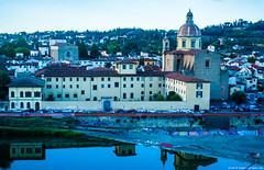 2015.10.11.5990 Florence (Brunswick Forge) Tags: 2015 church catholicchurch florence firenze tuscany toscano italy italia travel grouped nikond7100 autumn sky air catholic water river arno historic architecture favorited centrostorico