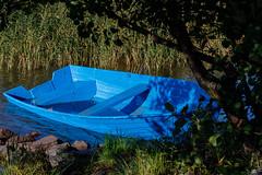Blue boat (Antti Tassberg) Tags: blue syksy vene ranta 100mm autumn beach boat fall lens prime shore