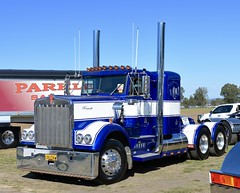 W model (quarterdeck888) Tags: trucks photos truckphotos australiantrucks outbacktrucks workingtrucks primemover class8 overtheroad interstate frosty quarterdeck jerilderietrucks jerilderietruckphotos flickr bdoubles lorry bigrig highwaytrucks interstatetrucks nikon truck kk kenworthclassic2018 truckshow truckdisplay workingclasstrucks noprizes wmodel kenworth