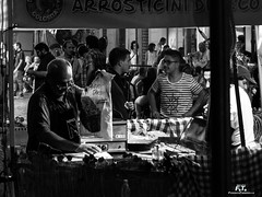 Sora Street Food 2018 (Test Pentax Q7) (Abulafia82) Tags: pentax pentaxq7 q ricoh ricohimaging pentaxq02standardzoom pentaxq06telezoom sora ciociaria lazio italia italy sorastreetfood cibo cucinaitaliana cibodistrada food umanità human umana antropica street distrada fotografiadistrada abulafia 2018 test
