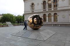 """""""Sfera con sfera"""" di Arnoldo Pomodoro - Trinity College, Dublino (SergioBarbieri) Tags: sferaconsfera arnoldopomodoro trinitycollege dublino"""