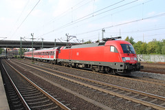 DB 182 016-6 at Hamburg-Harburg 23 august 2018 (Remco van den Bosch 72) Tags: db deutschebahn 1820166 taurus siemens eisenbahn electrischelocomotief eloc elok railway rails railroad railwaystation reizigerstrein rijtuigen trein train transport treinspotten trainspotting track station spoor spoorwegen duitsland germany bahn bahnhof passengertrain passagiers publictransport hamburgharburg
