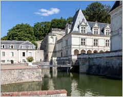 Le Chateau, le Pont-levis, les Douves (didier_chantal49) Tags: architecture chateau indreetloire jardin parc villandry france fr