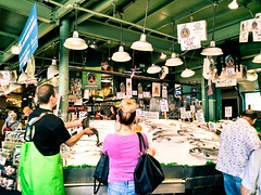 ((speck)) Tags: seattle pikeplace fish market throwingfish fishmarket seafood