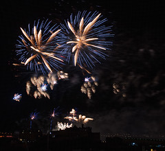 Last One ... Festival Fireworks 2018 (captures.in.time) Tags: fireworks celebration travel scotland europe edinburgh wonderlust festival travelphotography light paintingwithlight