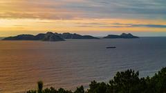 Islas Cíes-8260628 (peruchojr) Tags: atardecer islascies barco