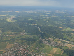 201808312 AF1808 CDG-STR Schwäbische Alb (taigatrommelchen) Tags: 20180831 germany aichelberg mountains aerial view photo highway airplane inflight afr hop