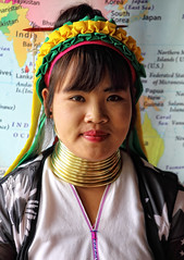 Long Neck woman - kayan tribe - Inle Lake Myanmar (Rui Trancoso) Tags: mulere girafa long neck karen trib inle lake rui trancoso