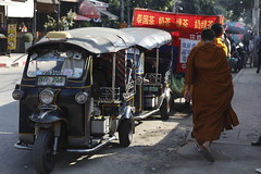Chiang Mai (rousselfineartphoto) Tags: chiangmaiprovince thailand tha news editorial photography photographie montreal canada agence quebec presse roussel pierre province chiangmai city december 2016 after king death tribute monks passing by tuktuk taxis street food