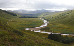 between real valleys. (dfactory) Tags: scotland highlands nature natureza vale valley