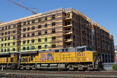 Tied Down at Emeryville (imartin92) Tags: emeryville california unionpacific railroad railway freight train locomotive ge generalelectric es44ac gevo emd sd70ace