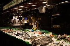 (Marcos Lomba) Tags: people street boqueria mercado pescaderia fish market