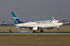WJ_737_C-FYBK_YYC (Lensescape) Tags: westjet boeing 737 b737 cfybk yyc