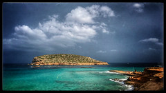 Lumière d'orage (Jean-Louis DUMAS) Tags: cloud nuage storm orage water sea mer îlet île baléares ibiza