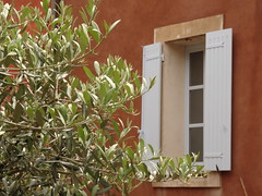 (degreve.sarah) Tags: olive provence window red green contrast