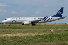 KLM / ERJ190 / PH-EZX / LFRS (_Wouter Cooremans) Tags: nte nantes spotting spotter avgeek aviation airplanespotting klm erj190 phezx lfrs skyteam livery