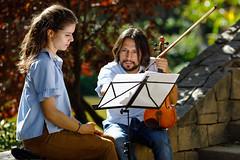 Partitura   -   Score (Carlos J. M.) Tags: barcelona calle street music música dslr canon 5dmk4 ef135f20l