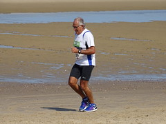 DSC09127 (corradookp) Tags: kustloop vrouwenpolder strand oostkapelle running beach run
