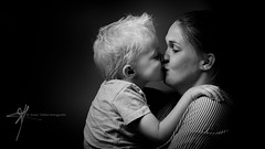 (Alain Tebbe) Tags: woman mother mom mum parent adult child baby family happy happiness bonding closeness togetherness embrace hug love smile smiling