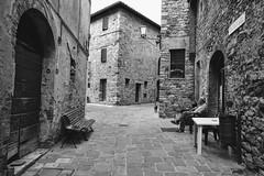 Quiet area... (Stef VL) Tags: borgo italia italië italy chianti tuscany toscana toscane bw blackandwhite zwartwit reizen