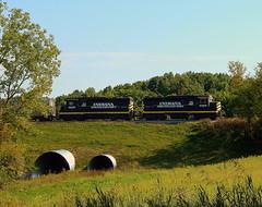 Indiana Northeastern pulling grain empties to South Miford Indiana (Matt Ditton) Tags: indiana northeastern railroad train hamilton shortline