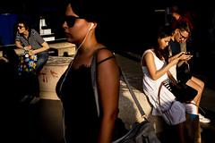Callao-3094 (Crebolledof) Tags: fotografíaurbana fotografíacallejera fotografíadecalle calle color contraluz street streetphotography straightphotography sombras shadows urbanphotography light luz madrid