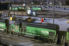 BN GP15-1 1378 (Chuck Zeiler) Tags: bn gp151 1378 railroad emd locomotive springfield train chuckzeiler chz