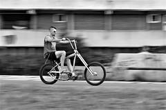 born to be wild (O.Krüger) Tags: bike fahrrad deutschland niedersachsen germany hannover hannoverlinden streetphotography sw schwarzweis socialdocumentary streetlife bw bianconero blackwhite monochrom peopleinthecity people personen urban mitzieher panning ngc