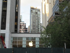 Temp Location Mac Store old FAO Schwarz Toy Store 8383 (Brechtbug) Tags: temp location mac store old fao schwarz toy revamped glass cube entrance across from plaza hotel 5th avenue 57th street new york city 08232018 nyc 2018 post steve jobs death macintosh computer still under construction about open soon midtown manhattan schwartz