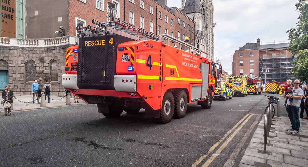 RESCUE 4 FIRE ENGINE USED IN DUBLIN AIRPORT [MANUFACTURED BY SIDES]--143778