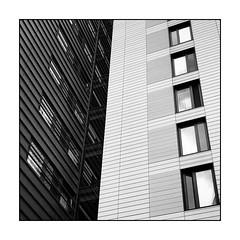 Windows (Jean-Louis DUMAS) Tags: london londres architectural architecture architect windows fenêtres blackandwhite black noiretblanc noir nb bw