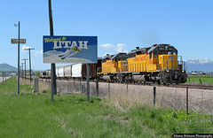Crossing the Border (jamesbelmont) Tags: unionpacific cachevalleylocal lewiston franklin utah idaho ushighway91 sd40n emd railway stateline border boundry sign lifeelevated