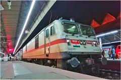 #30464 BRC WAP7 with 12304 Poorva SF Express (arajitgharai) Tags: poorvasfexpressbrcwap7 brcwap7 poorvaexpress howrah newdelhi trainspotting easternrailways indianrailways passengerservice raildrishti railfanning railroads