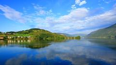 Etnefjorden 29. mai -18 (bjarne.stokke) Tags: etne skyer speiling speilbilde hordaland norway norge norwegen reflections clouds